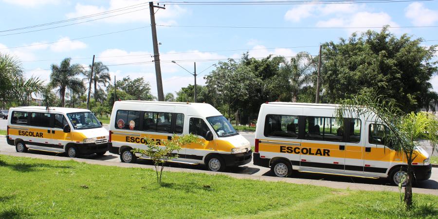 Transporte de passageiros - 3 unidades de transporte escolar