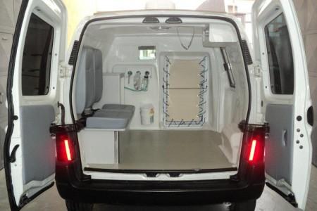 ambulancia-veterinaria-traseira-aberta
